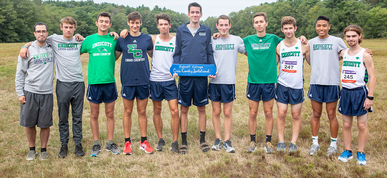 The Endicott men's cross country team poses for a photo after winning the Endicott Invitational.