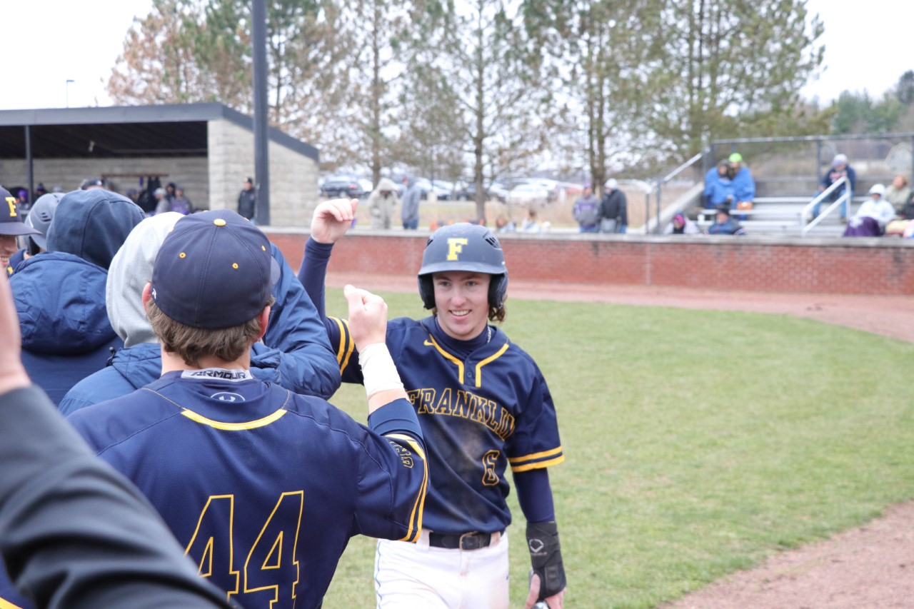 Baseball Team Wraps Up Home Series With Win