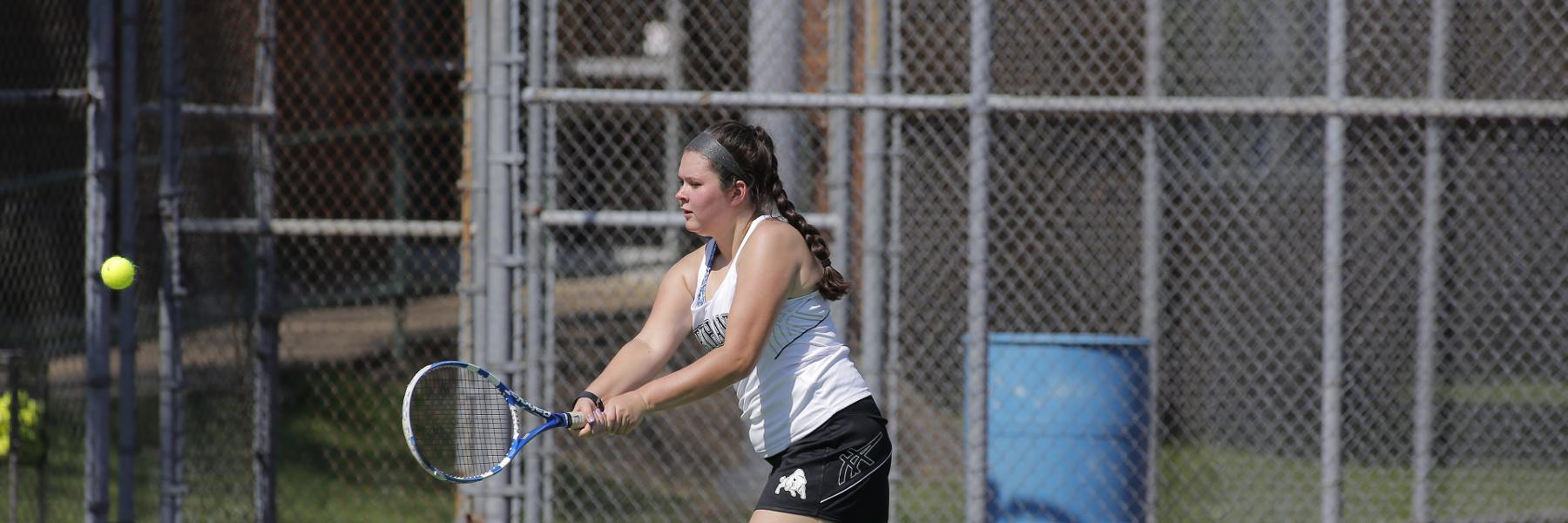 Women's Tennis handed loss by Medaille, 9-0