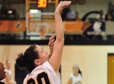 Lady Petrels Claim 1st Road Win, Top Warriors