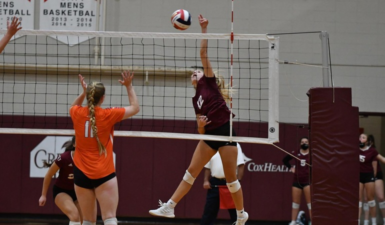 Crusaders Top Vikings in Four Sets