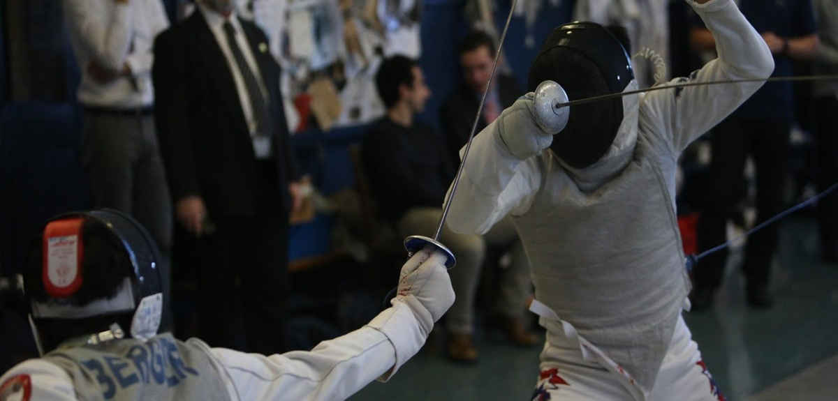 Fencing Tops Harvard, Finishes Fourth at Round-Robins