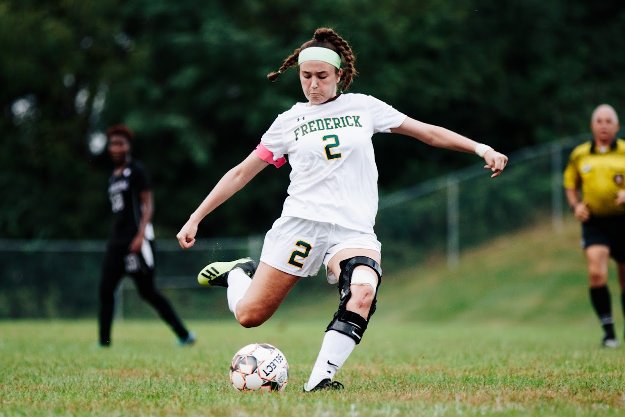Women's Soccer Knocks Off League Leader With 6-5 Overtime Victory