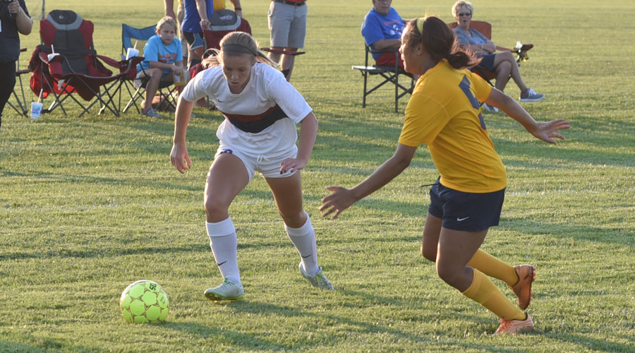 Brailey Moeder scored the only goal of Thursday's match late in the first half of a 1-0 victory over Rose State College on Thursday at the Salthawk Sports Complex. (Steve Carpenter/Blue Dragon Sports Information)