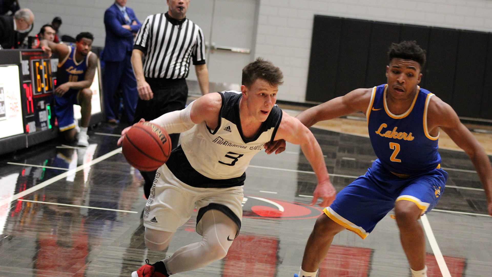 Davenport wins up-tempo game against Great Lakes Christian 105-77