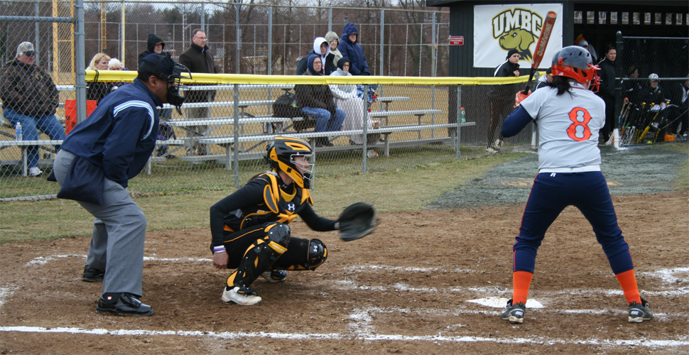Softball Sweeps Day One of the Phoenix Opening Tournament