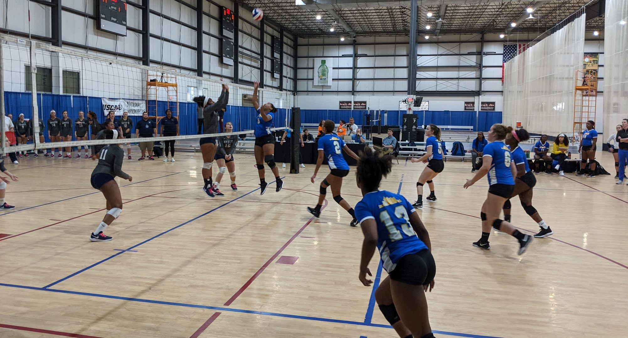 VB Splits Pool Play Games on Thursday; Advances to Semis on Friday