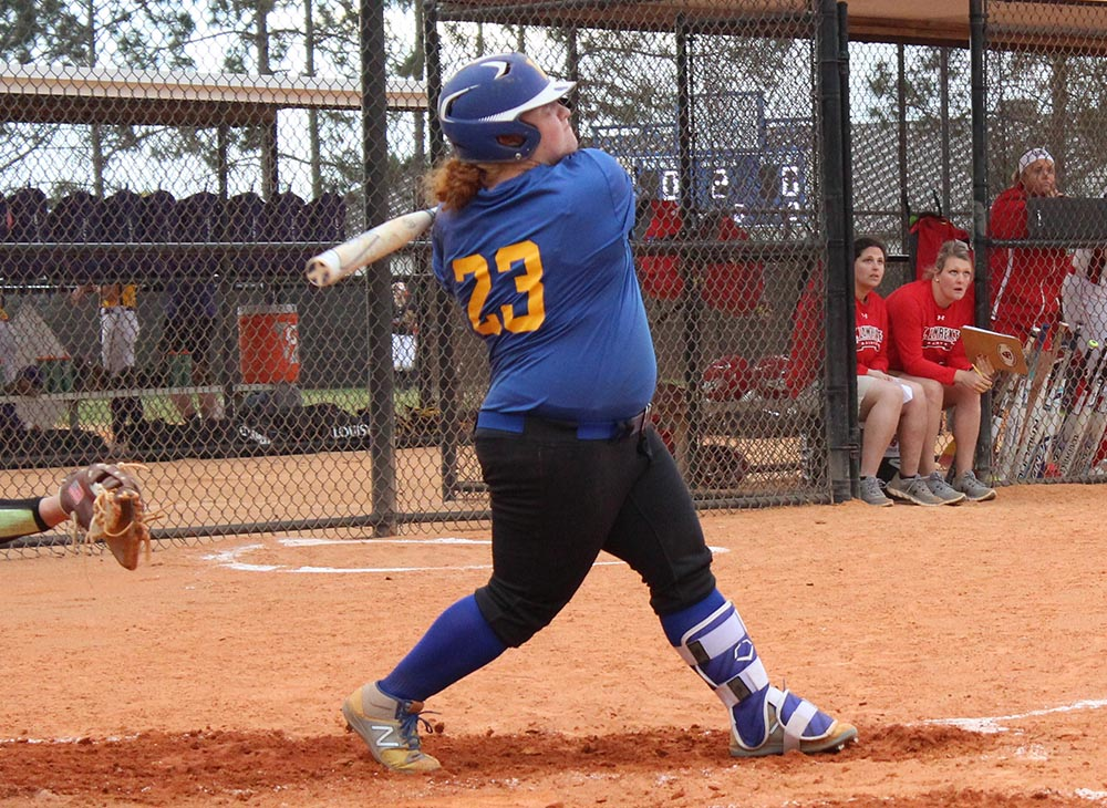 Softball Opens at Home with Twinbill Sweep of Rhode Island College; Extends Winning Streak to Seven