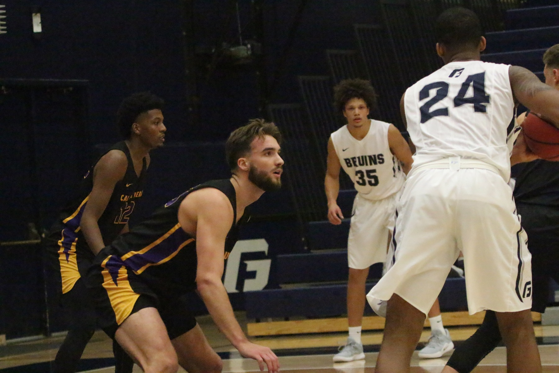 Ferreira Scores 23, Wadsworth Adds 18 as Kingsmen Take Down Bruins