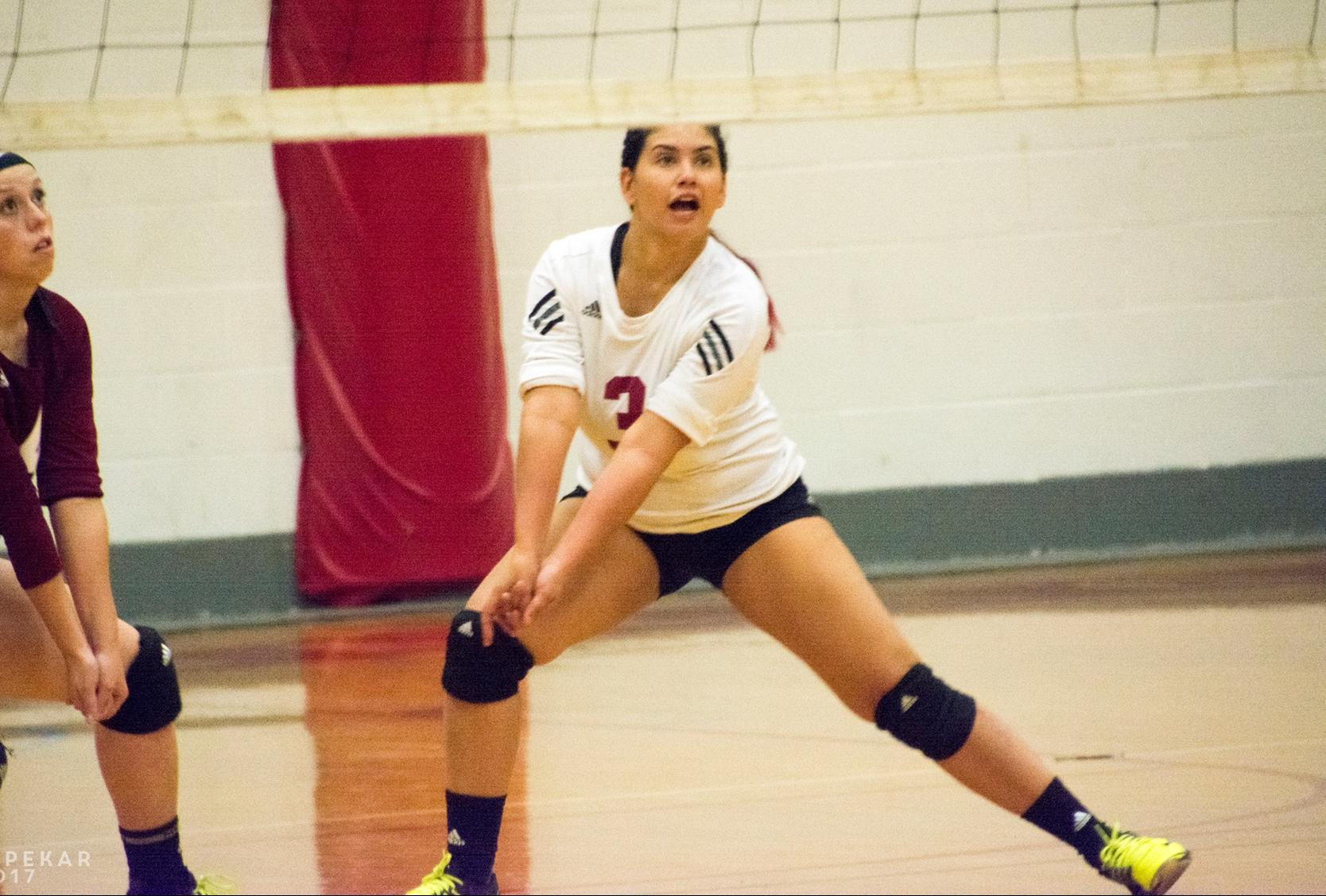 WOMEN'S VOLLEYBALL:  Anna Maria drops GNAC match to Mount Ida