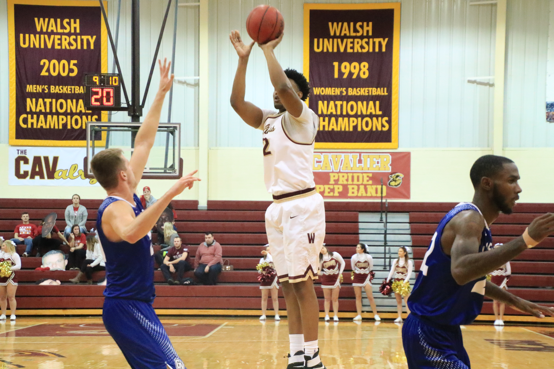 Men's Basketball Falls To Grand Valley