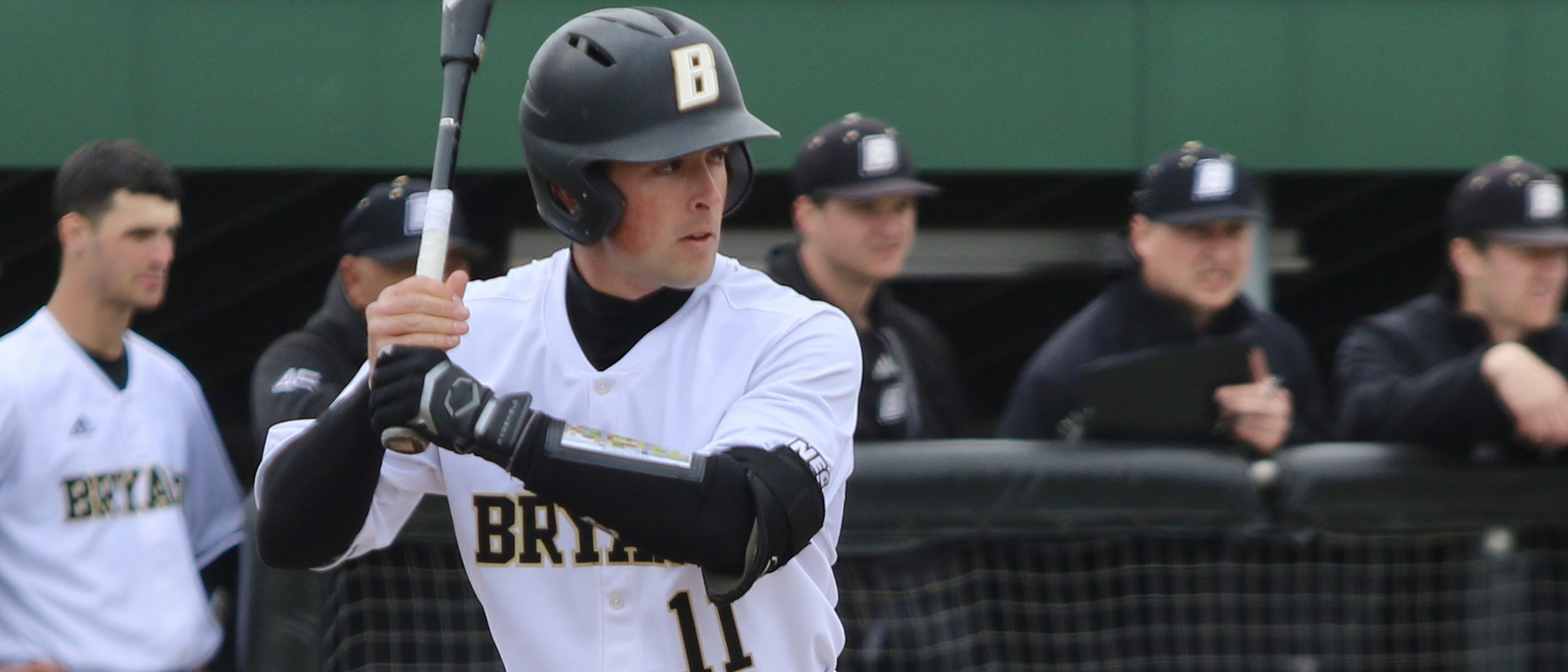 Bryant stuns Brown with 6-run 9th