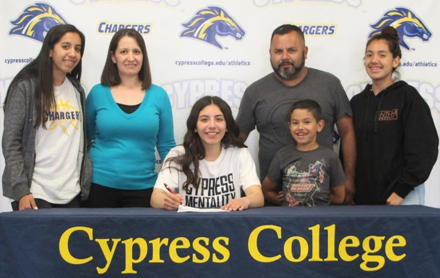 Gabby Carbajal of Women's Basketball Accepts Offer from Humbolt State University