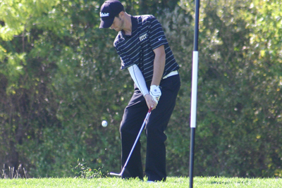 Sweitzer paces Bulldogs, ties for 4th overall