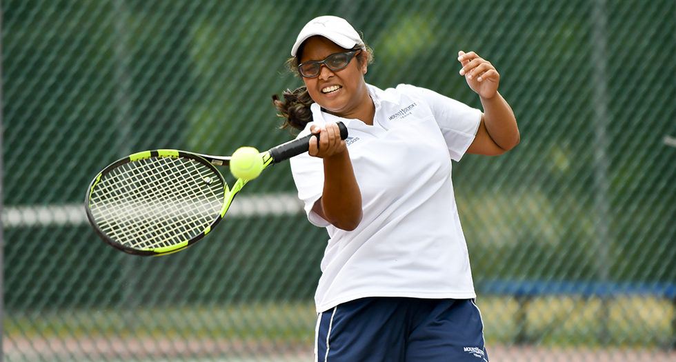 Strong Doubles Play Leads Tennis to 7-2 Win at Smith