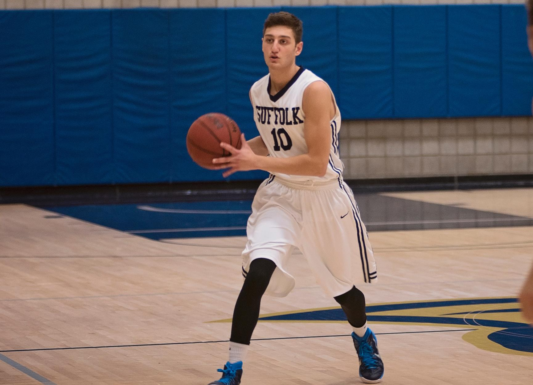 Men's Basketball Concludes 2016 at UMass Boston Tuesday