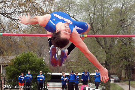 Track & Field competes at Eastbay/Pointer Invitational