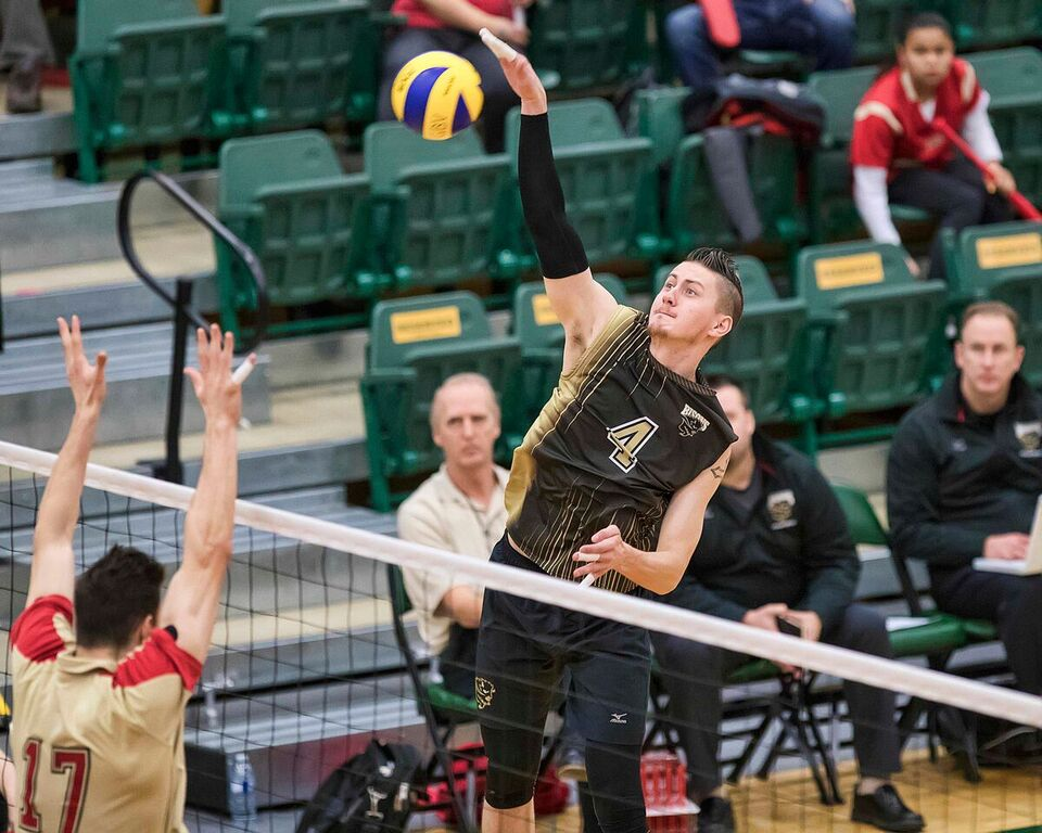 5th PLACE 2017 U SPORTS FOG Men's Volleyball Championship: Manitoba goes out on a high note with consolation final win over Laval