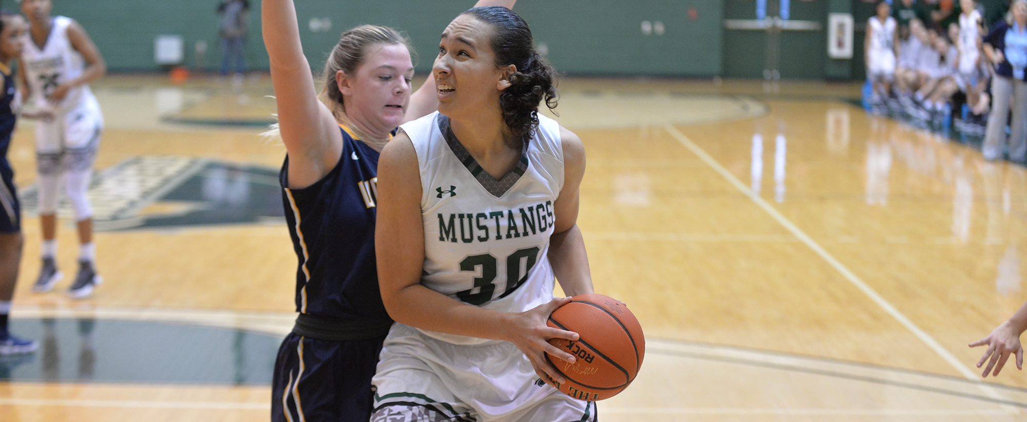 Women's Basketball Downs Alvernia for Third Straight