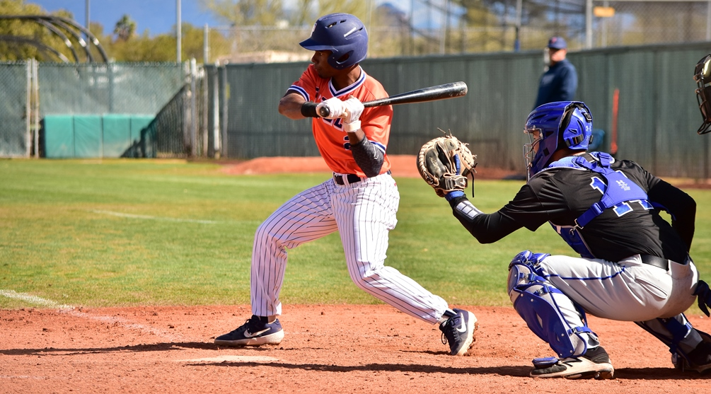 Freshman JJ Rollon hit an RBI triple in the 10th inning as Aztecs baseball split at Paradise Valley Community College. The Aztecs are 22-10 overall and 10-7 in ACCAC conference play. Photo by Ben Carbajal