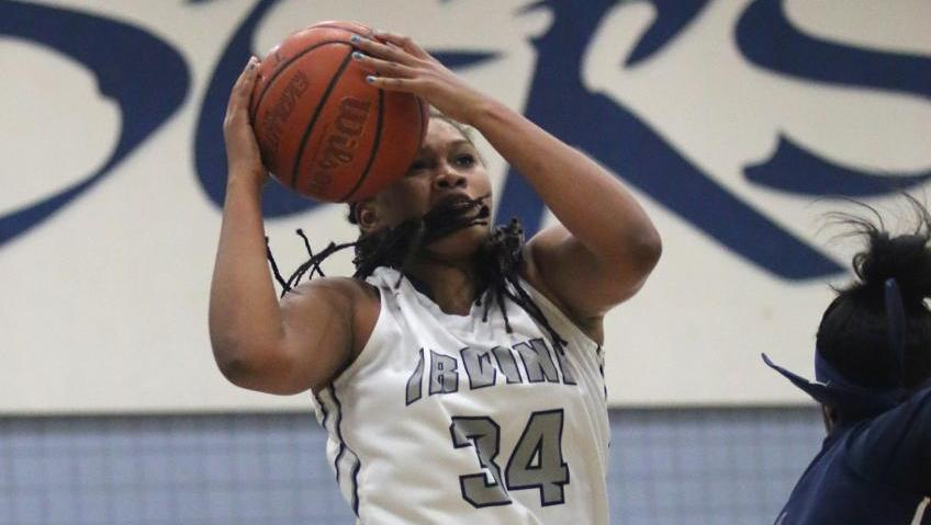 Women's basketball team plays tough to beat No. 4 El Camino