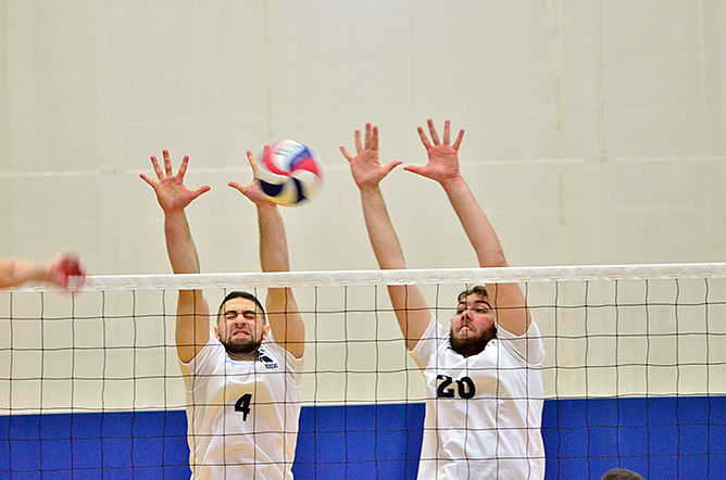 Men's Volleyball Falls to D'Youville in AMCC Action