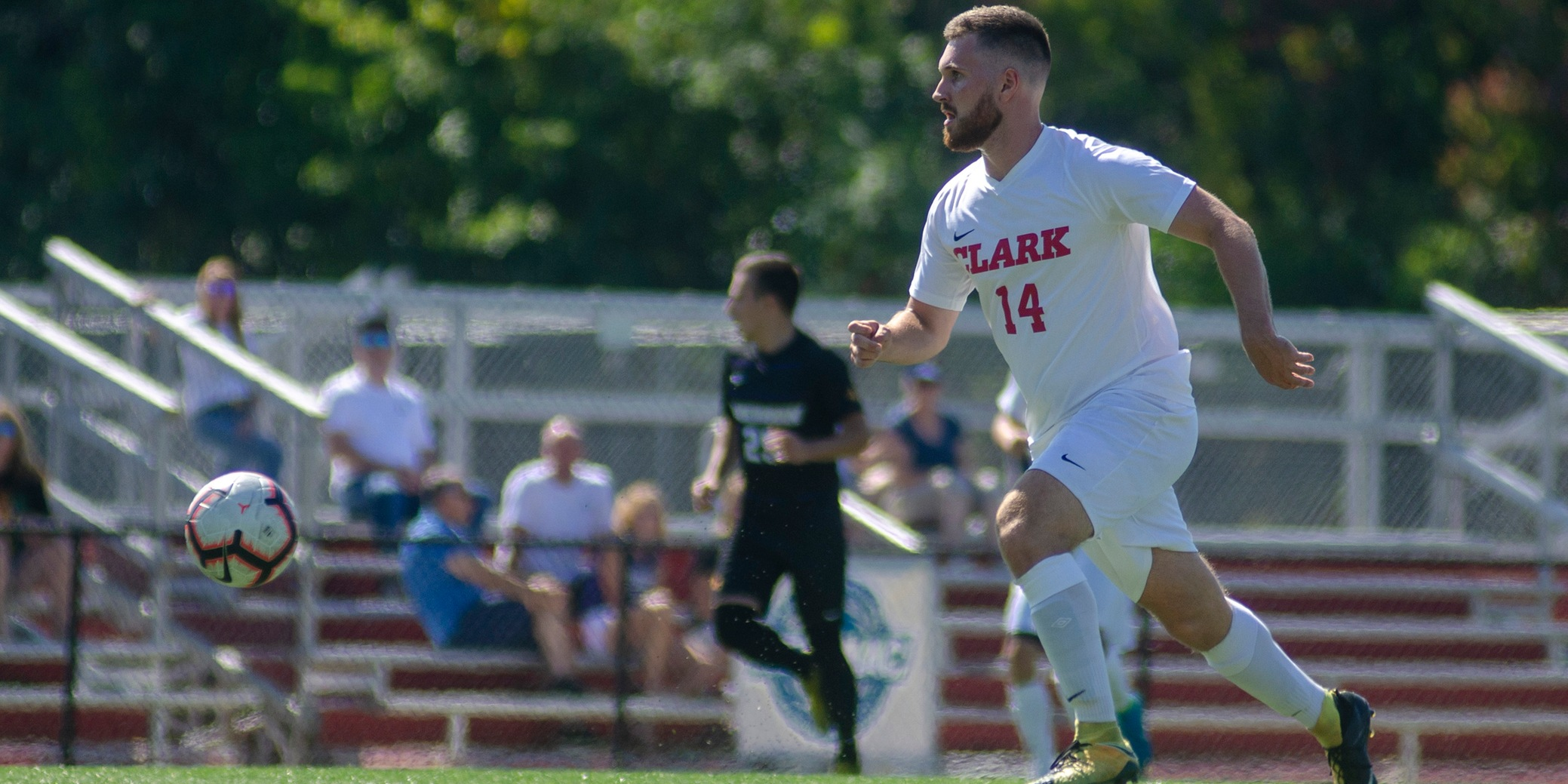 Men's Soccer Edged by Wheaton, 1-0