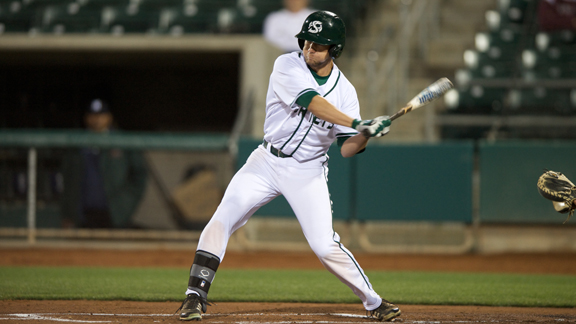 BASEBALL DOWNED BY UC DAVIS 6-3 AT RALEY FIELD