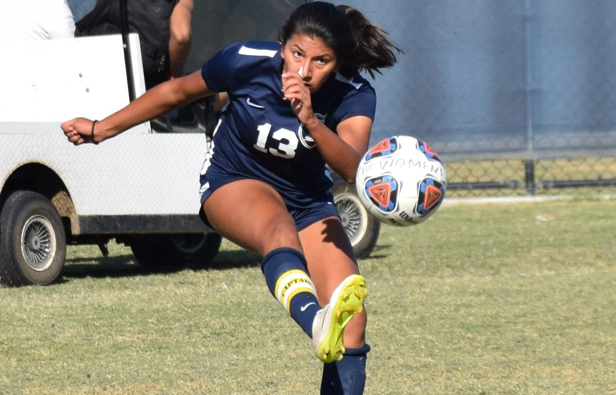 Women's soccer team plays tough in draw with Saddleback