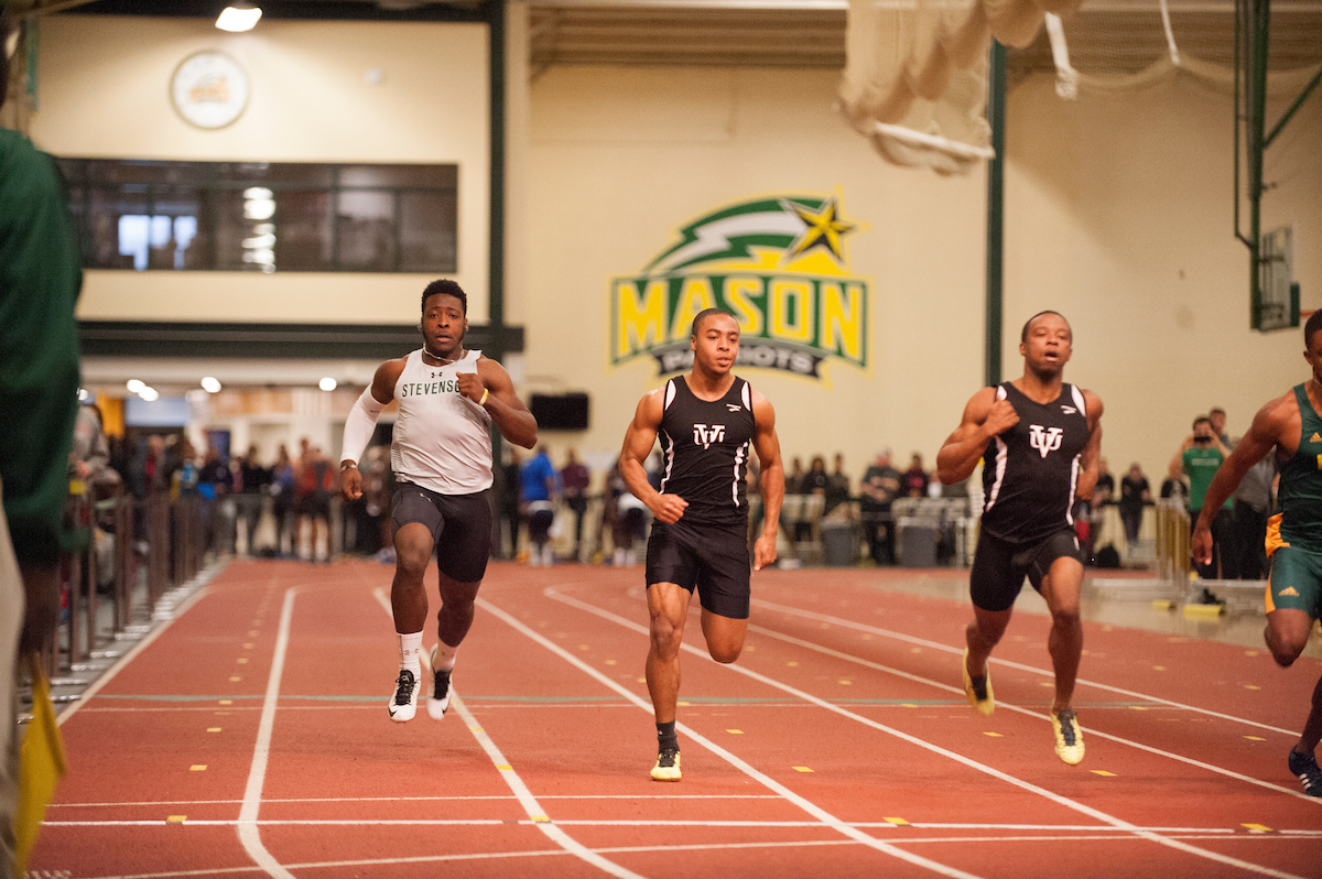 Williams Sets New School Record in 200 at David Hemery Valentine Invitational