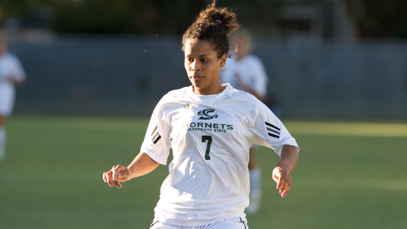 WOMEN'S SOCCER OUTLASTED BY IDAHO STATE 2-1