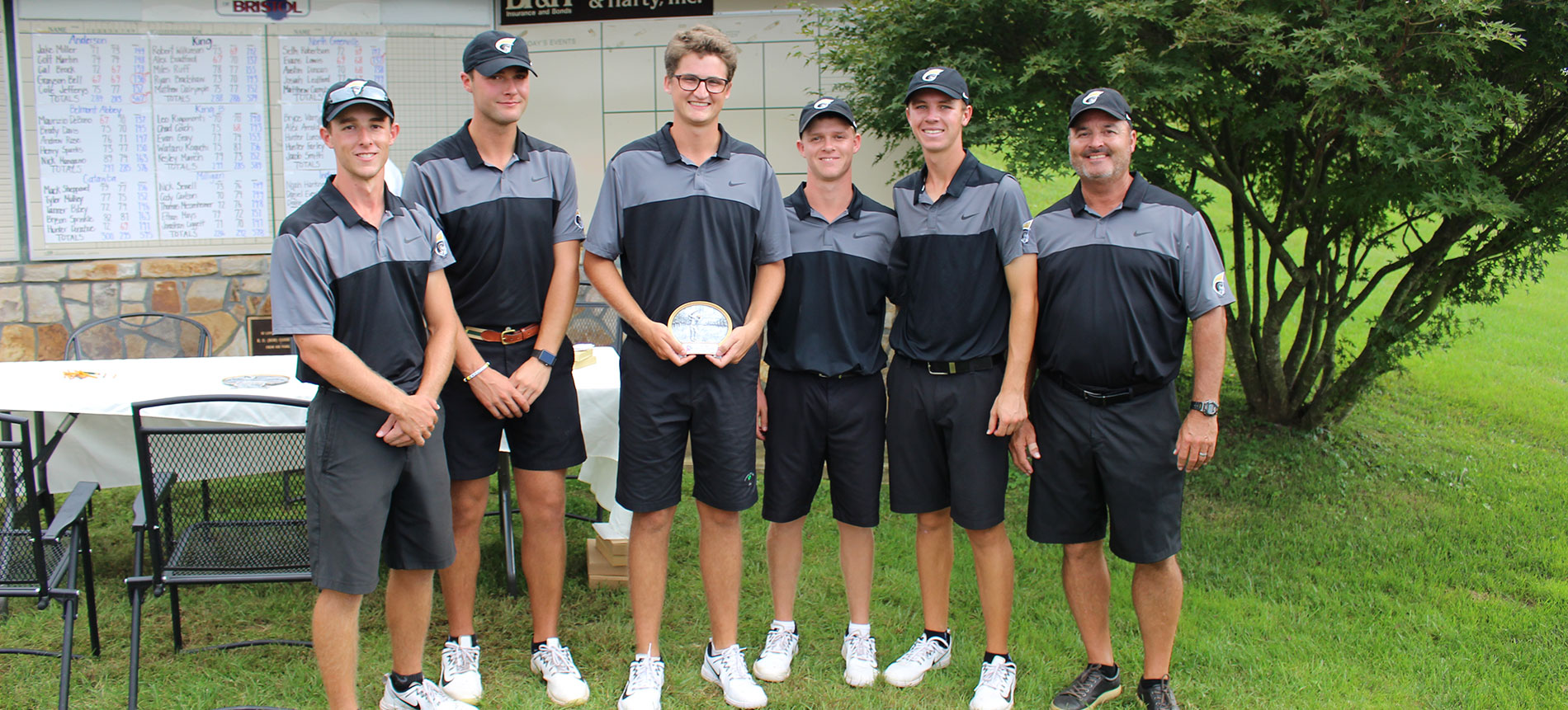 Bell Wins King Invitational; Trojans Finish Second