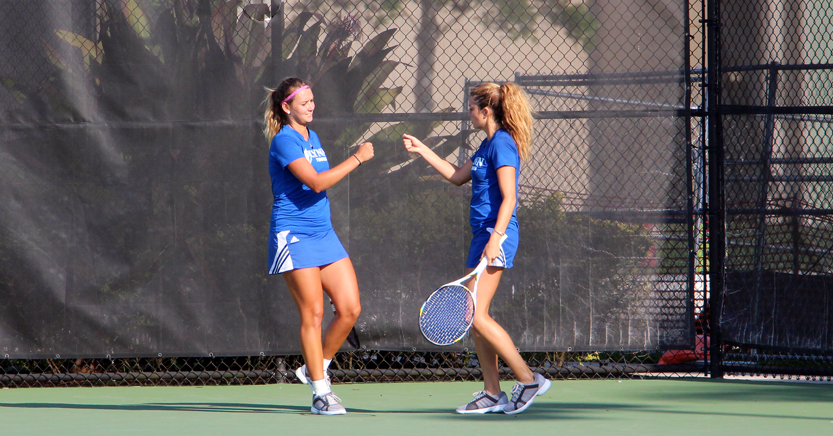 Women's Tennis Serves Up Sailfish at Home