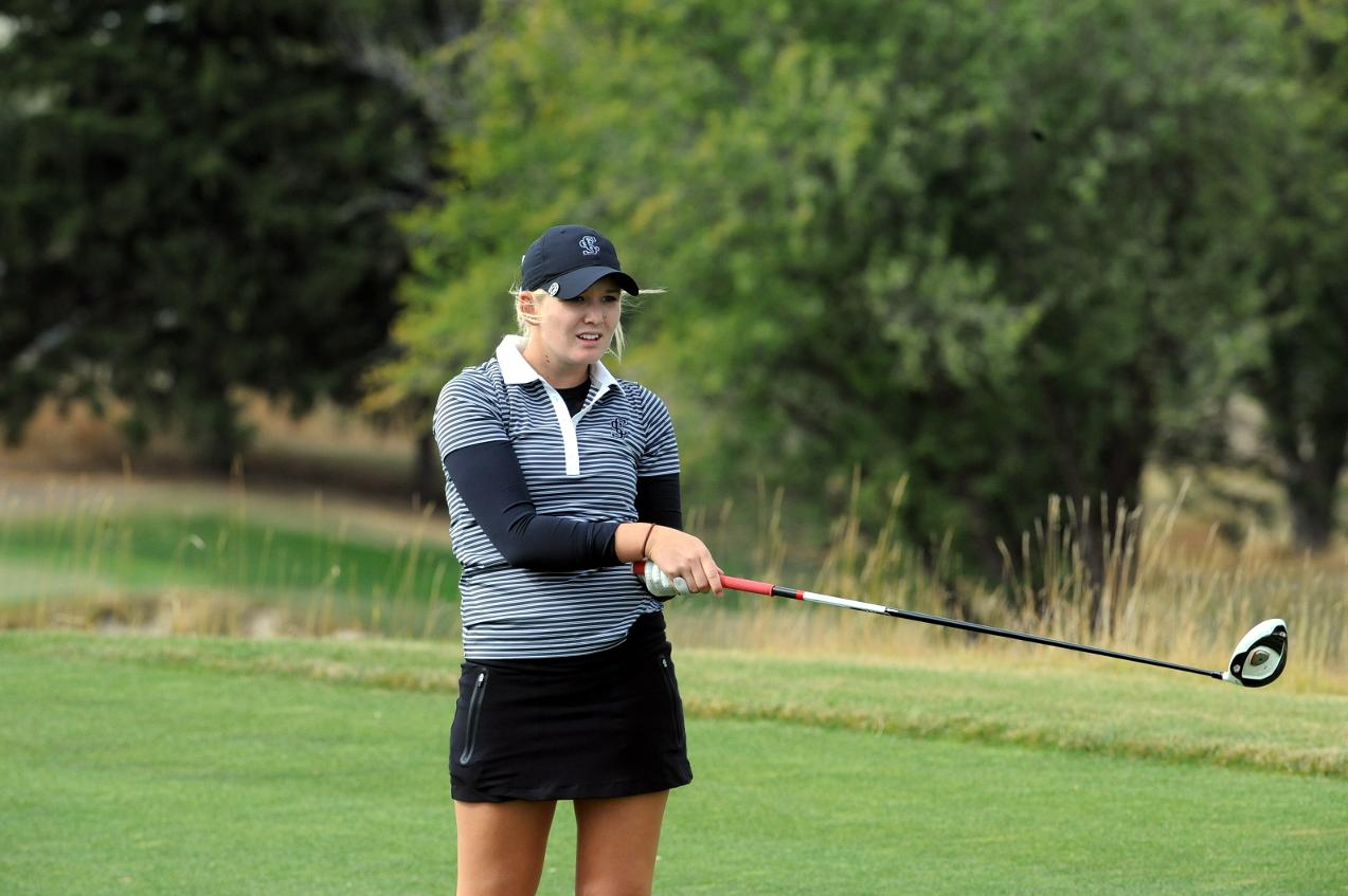 Difficult First Round Leaves Women's Golf In Fifth After Day One Of WCC Championship