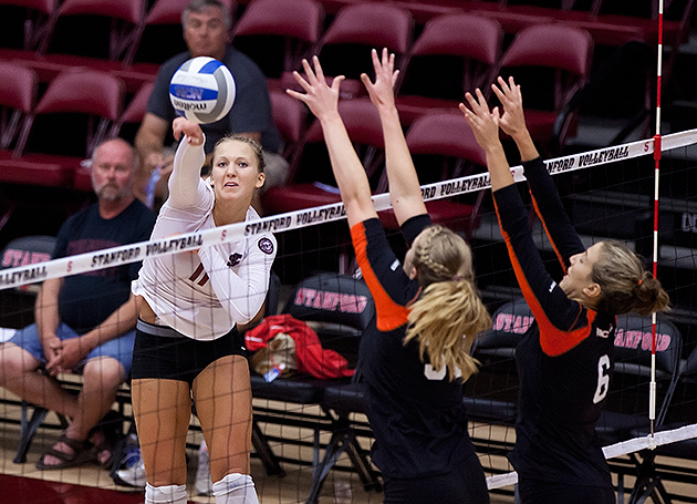 Volleyball Falls in Five To Undefeated Pacific Team At Stanford Invite
