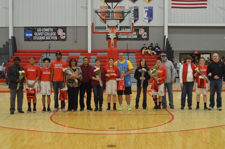 Women's basketball team defeated by #11 Hope, 75-35, on Senior Day