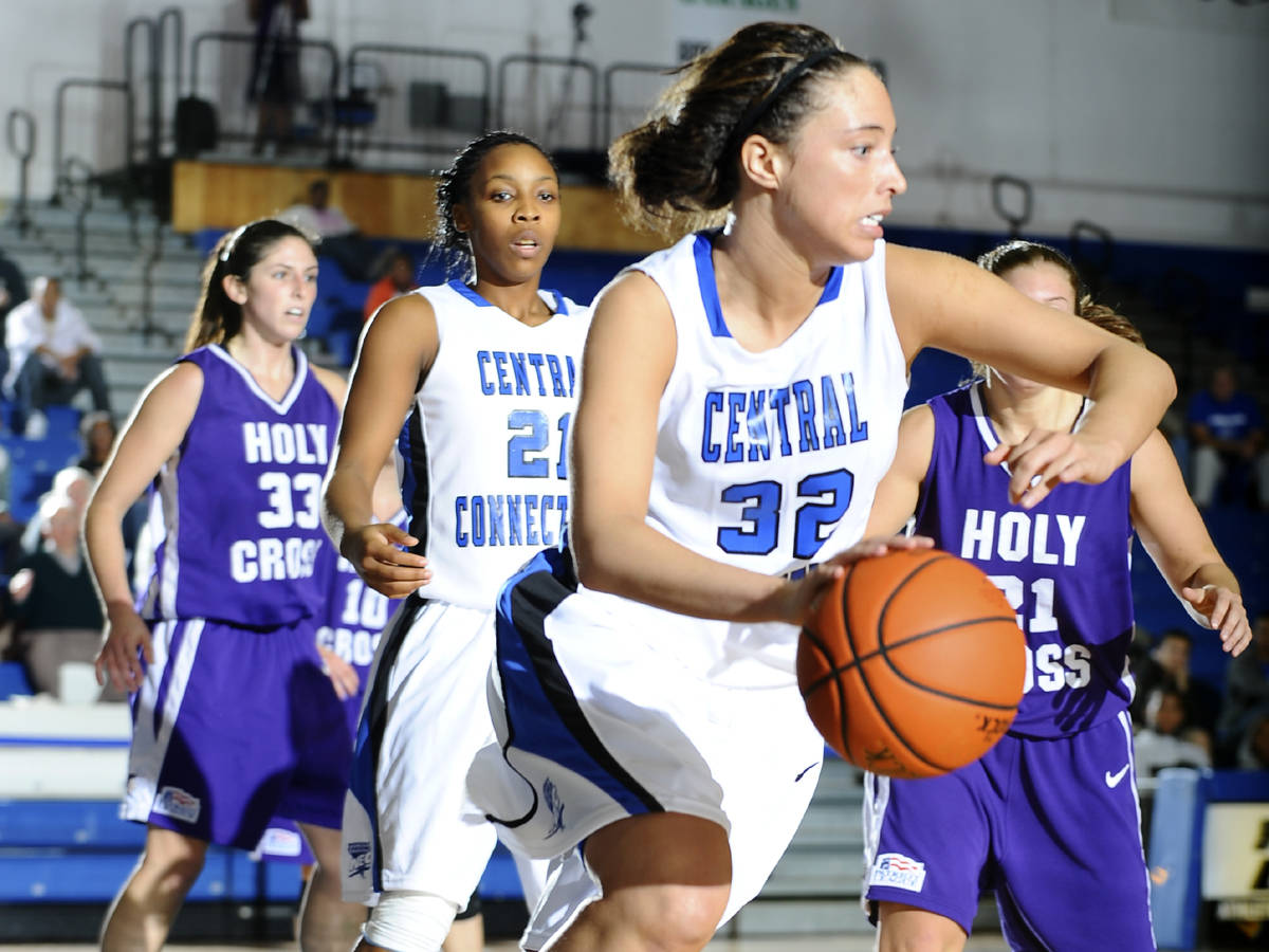 Dugan and Crockett Lead Blue Devils Past Colgate, 61-43