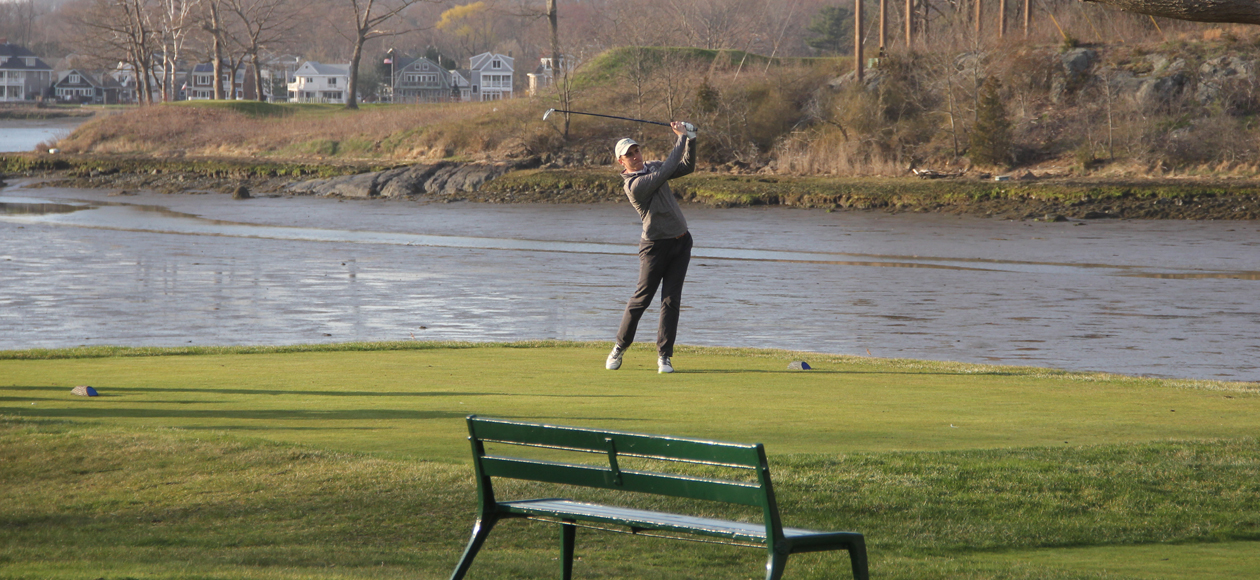 Image of Drew Benshoff teeing off.