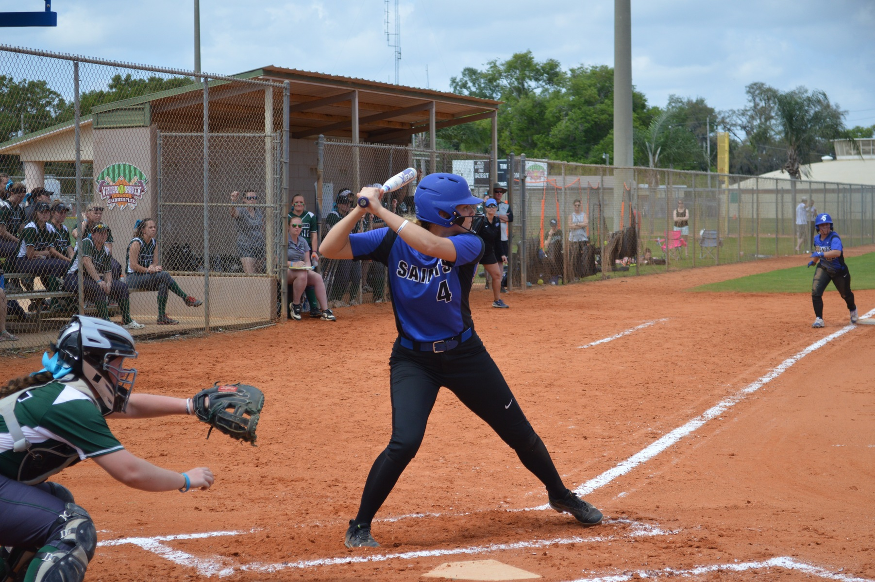 Softball Goes 1-1 in Friday Spring Games