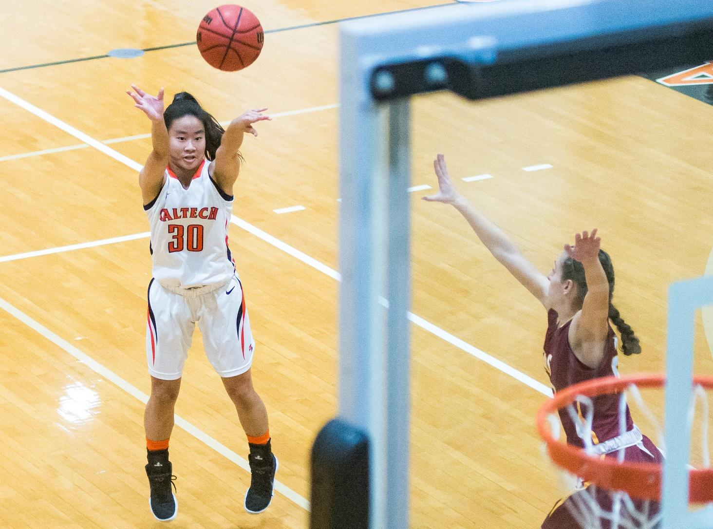 Peng Drills Five Three's Against Whittier