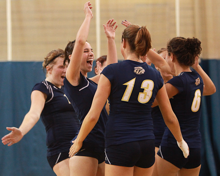 Sixth straight win for the Bison volleyball team