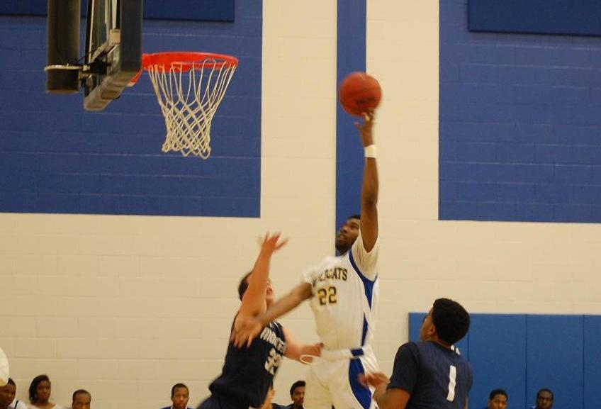 JWU Men's Basketball Holds on to Defeat Montreat College