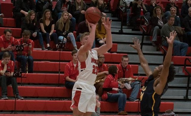 Men's Basketball Holds Off BenU in Thriller