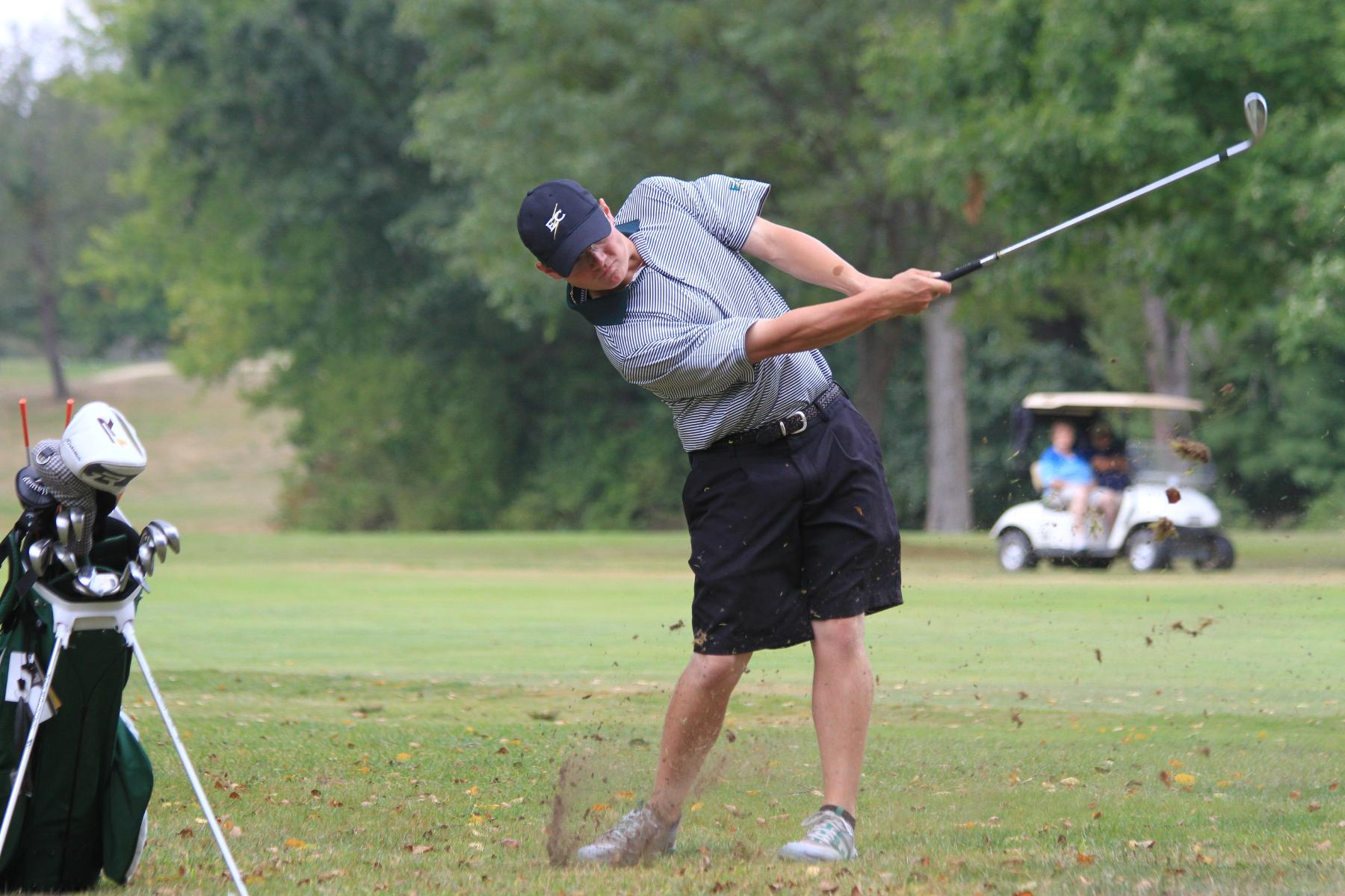 Men's Golf 18th At NEIGA Championship