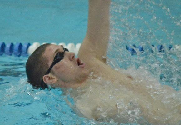 Men's Swimming and Diving Completes Day One at the WPI Winter Invite