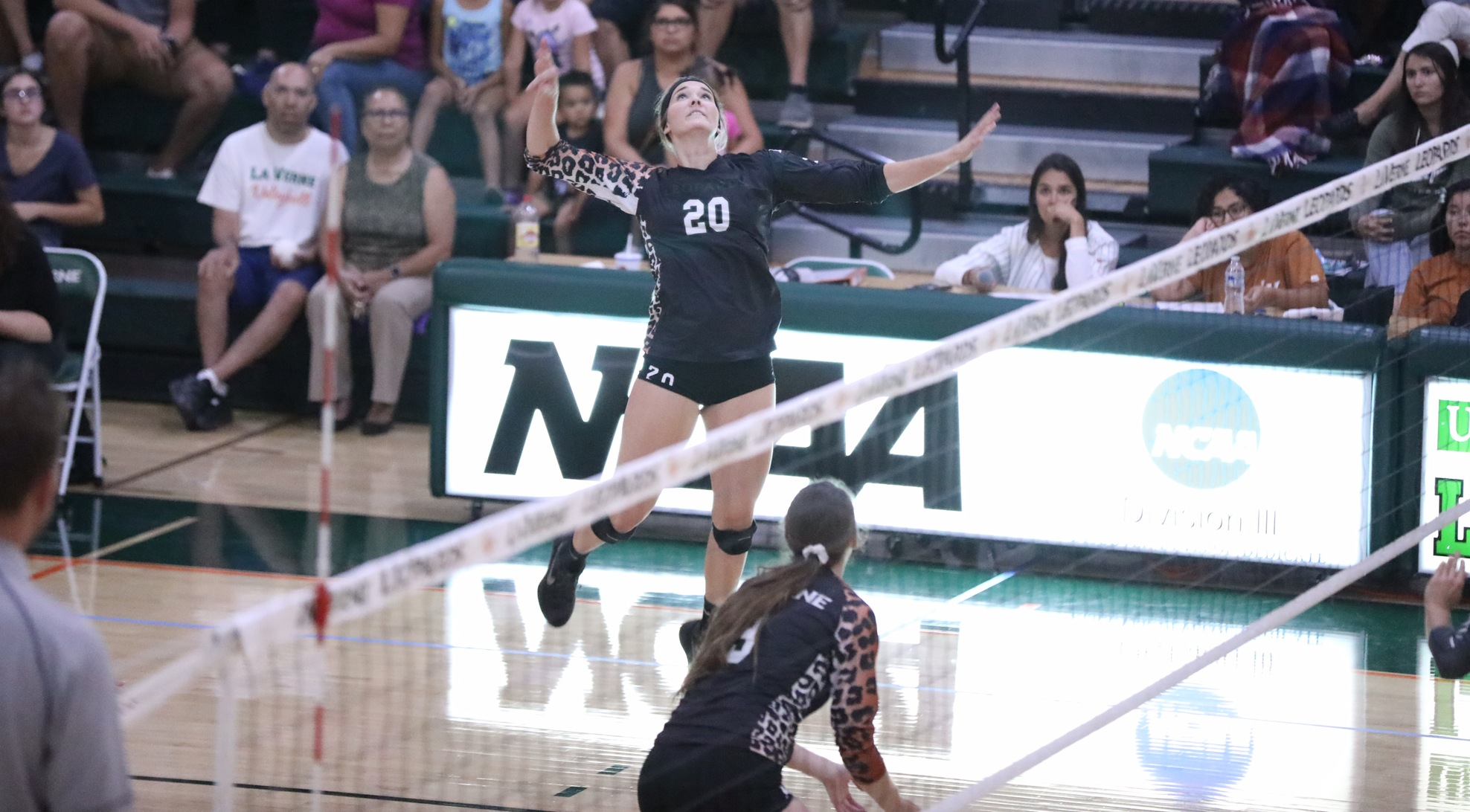 Volleyball grabs 3-1 win at Redlands
