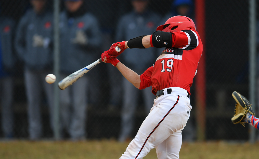 Baseball Sweeps ENC to Clinch NECC's Top Spot