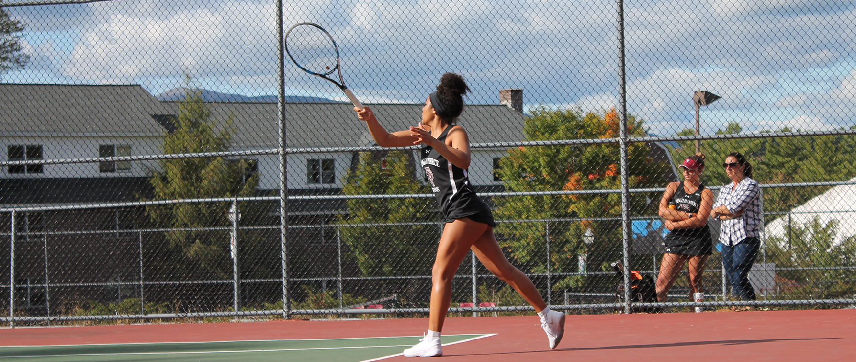 Women's Tennis Downed at SNHU, 5-2