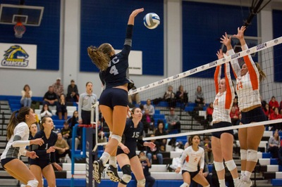 Women's volleyball team opens state tournament with a sweep