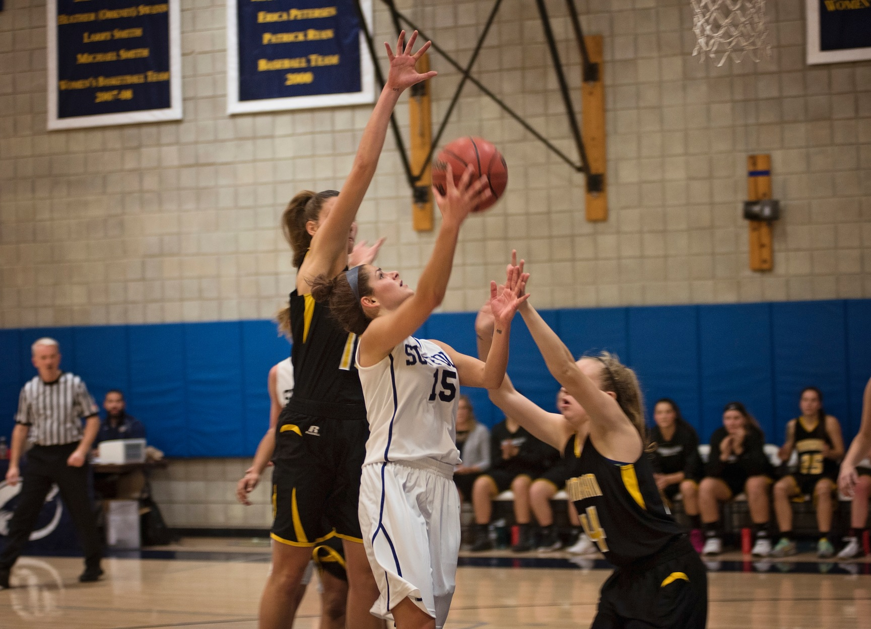 Women's Basketball Takes Down Lasell, 61-50